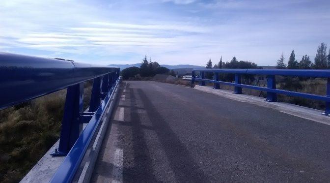 Nuevas Defensas en el Puente sobre la Vía en la AV-501