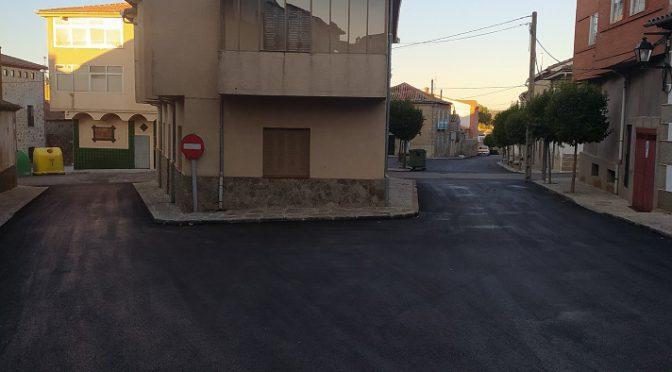 Finalizadas las obras de asfaltado de la calle La Moneda y la calle Los Caños